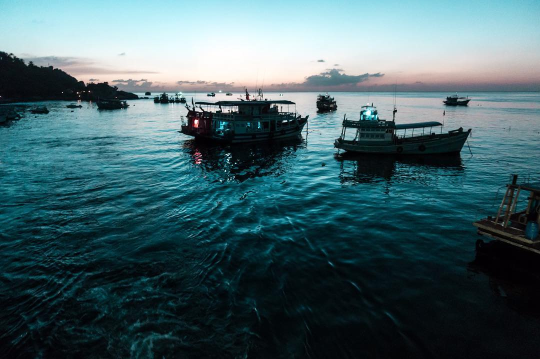 Arriving to Koh Tao just before the sun gives up