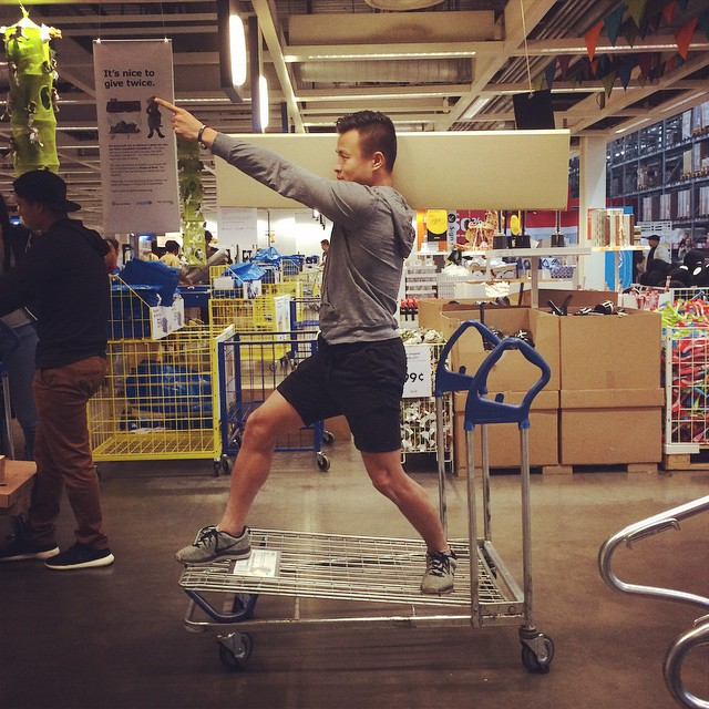 To the cashier Tenzing! #ikea #therightway #5minstoclosing