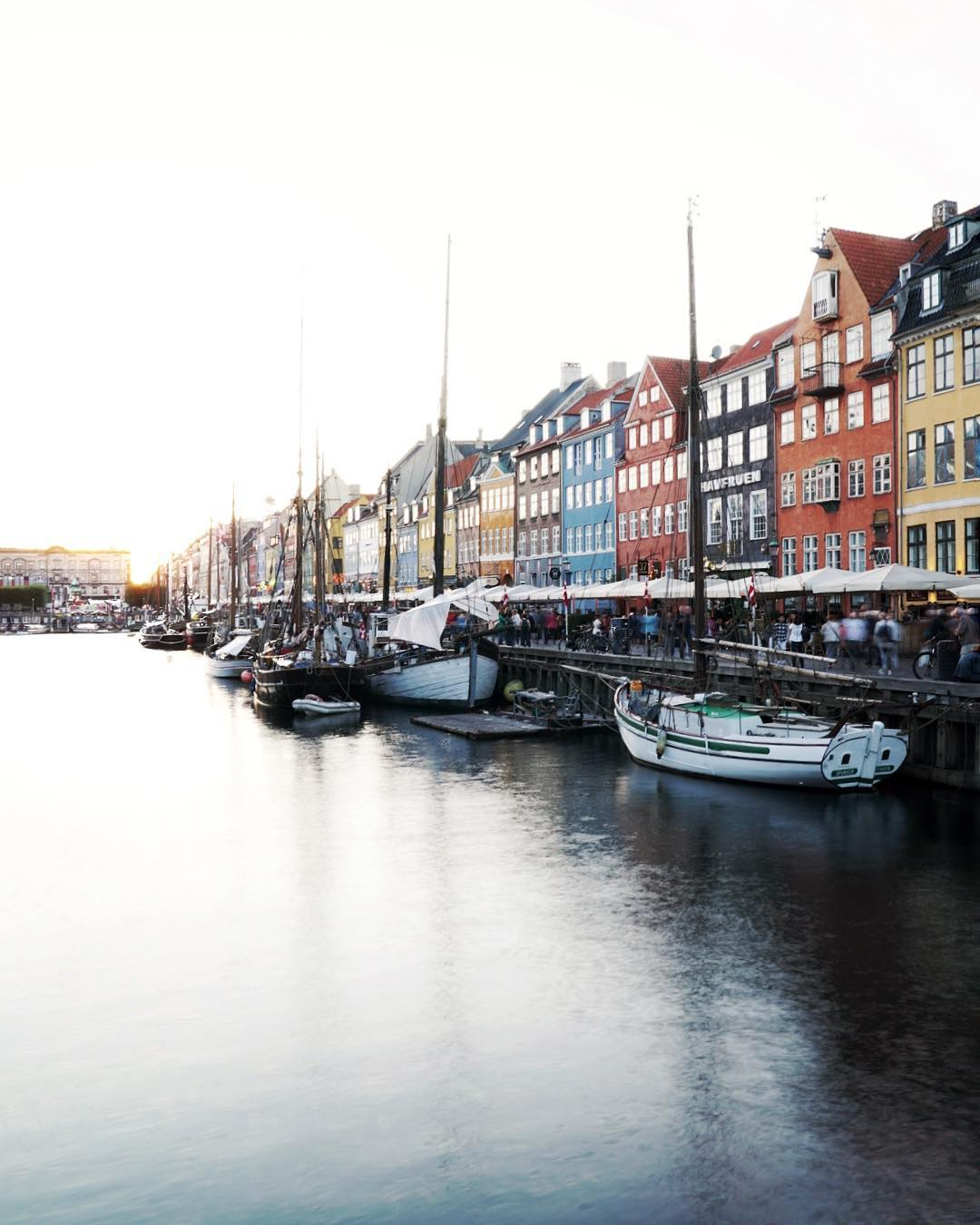 The soft end of a day in Nyhavn Grab ahellip