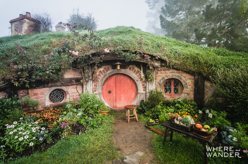 Roaming hobbiton and the shire movie set that time i was for Hobbit house images