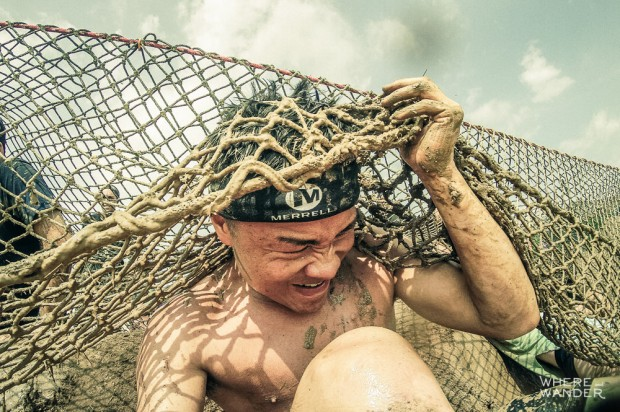 Low Crawl Under Cargo Net At Merrell Down And Dirty Race