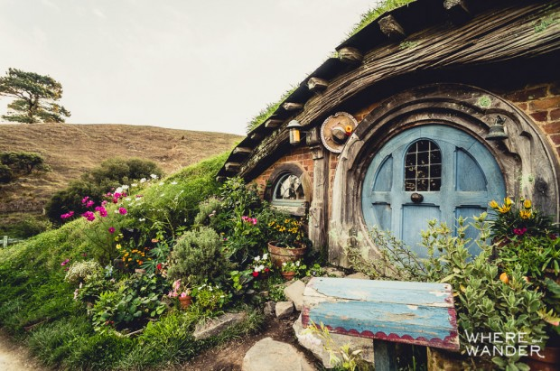 Hobbiton Tour: Hobbit House With Blue Door