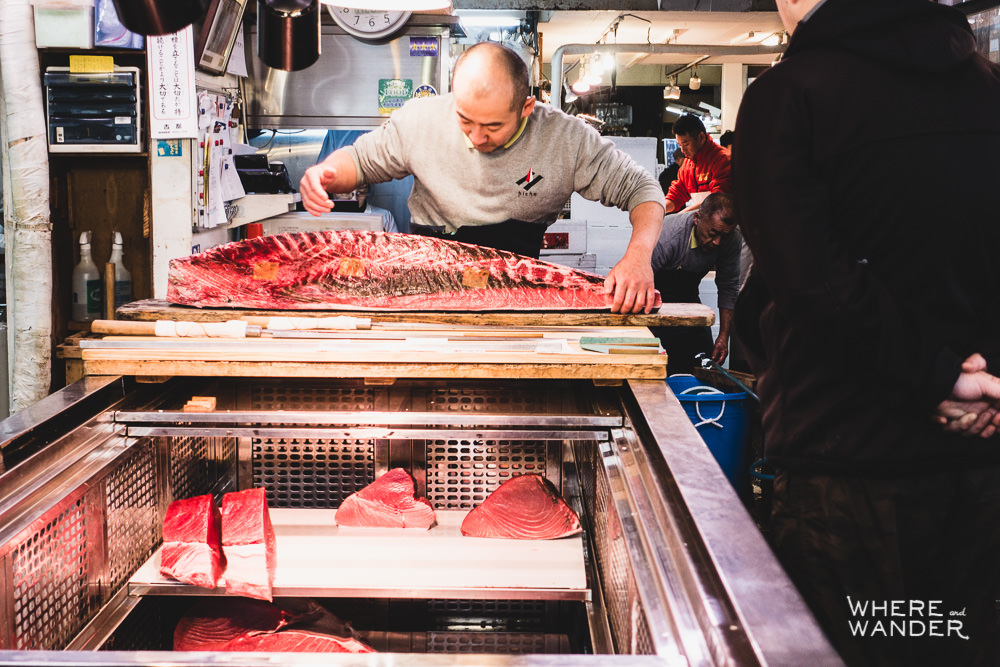 Tsukiji-Fish-Market-Fish-Butchering