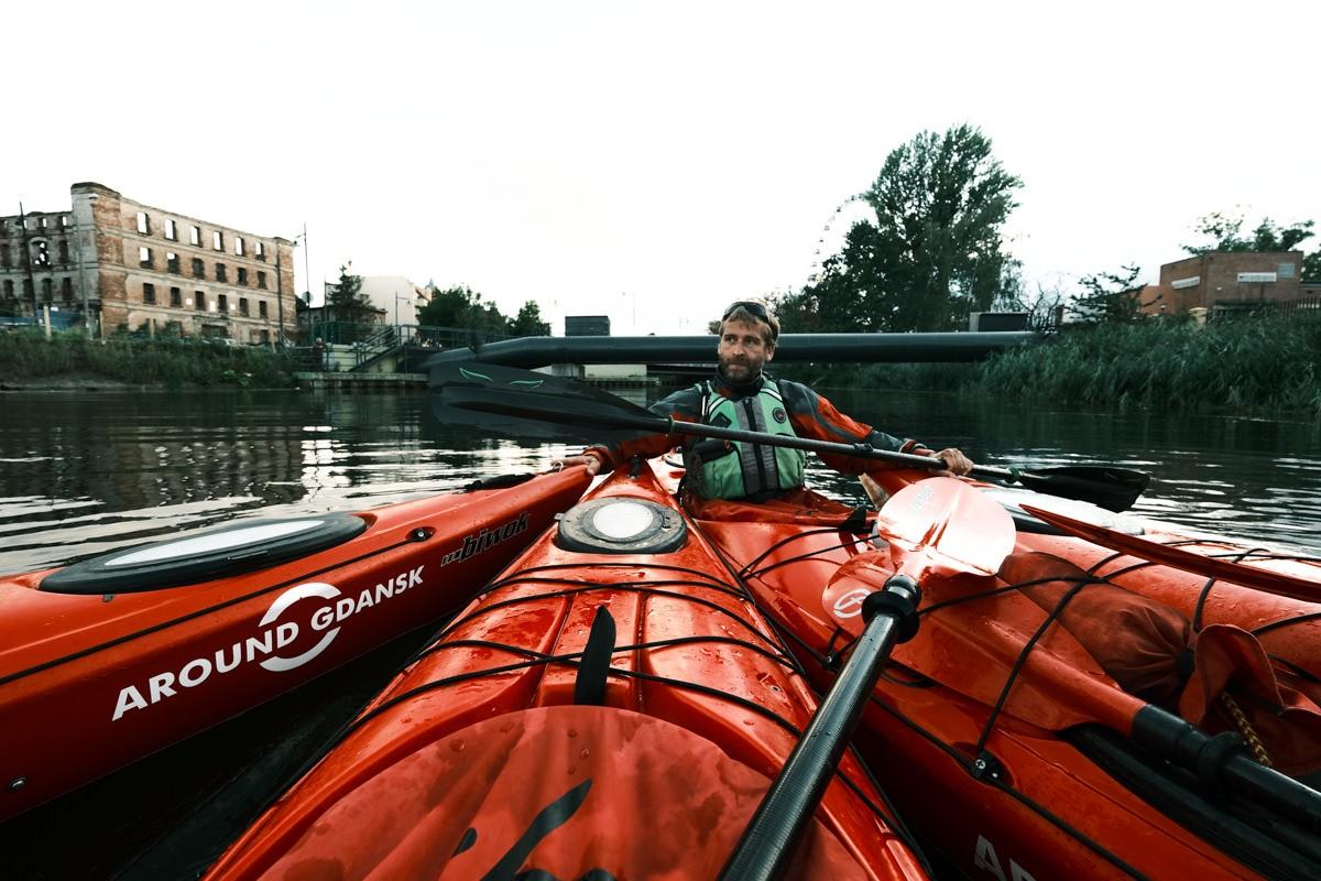 Szymon giving tour around Gdansk on kayak