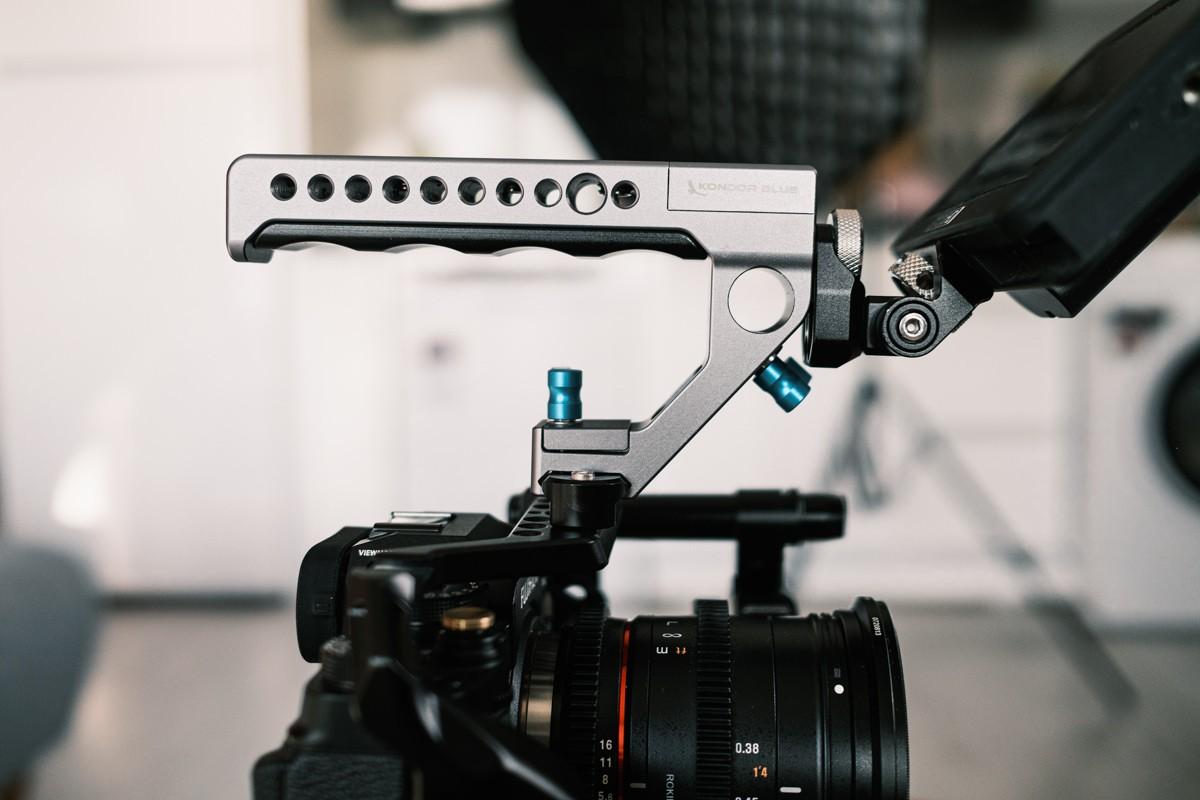 Side view of Kondor Blue remote top trigger for Fujifilm X-T4